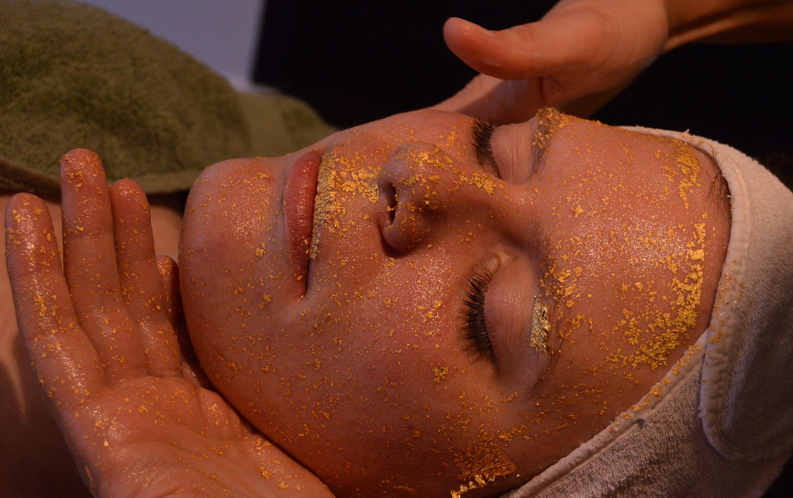 Gold Treatment behandeling I Beautysalon Carmen